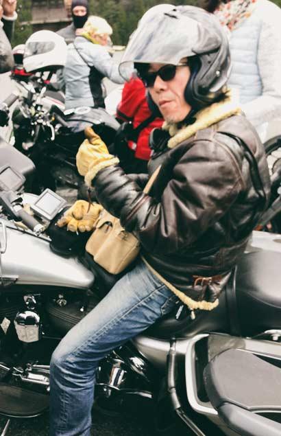 Des accompagnateurs durant votre voyage à moto